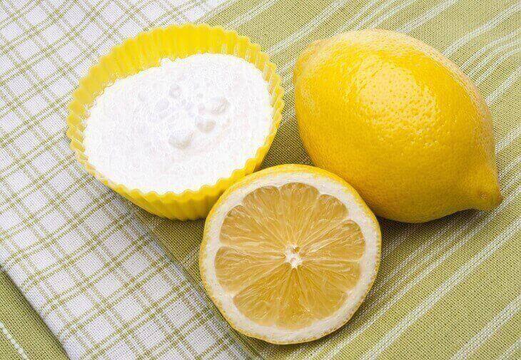 Cách trị mụn ẩn bằng baking soda và nước cốt chanh