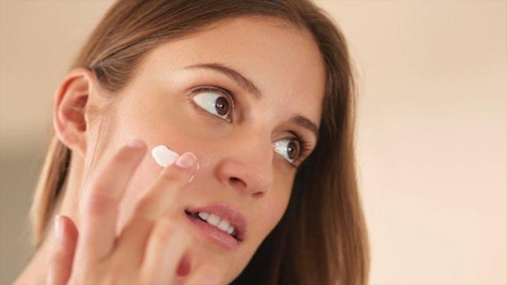 Cách trị tàn nhang bằng kem đánh răng hiệu quả