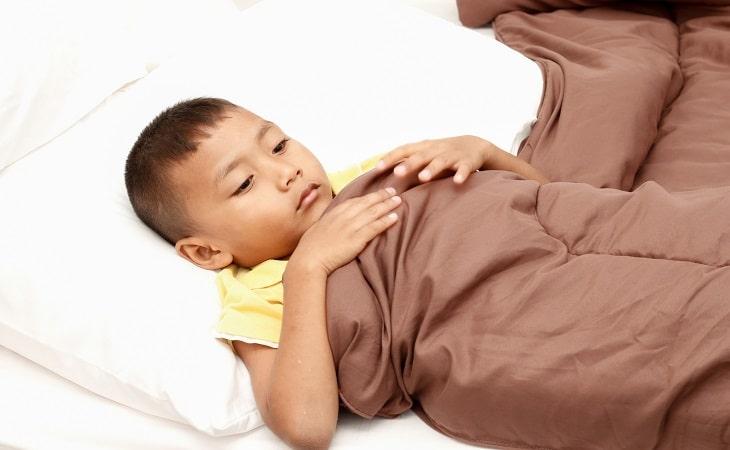 Chăm sóc và theo dõi trẻ mắc viêm loét tại nhà