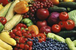 Chế độ ăn nhiều rau củ giúp trị mụn thâm lưng