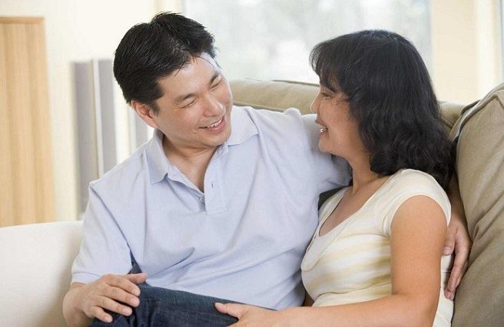 Người vợ cần ở bên, động viên, chăm sóc, tâm sự