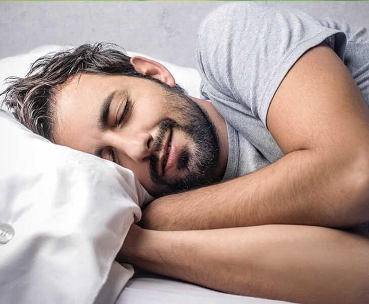 Ngủ đủ giấc giúp cơ thể khỏe mạnh và sản sinh nhiều hormone testosterone