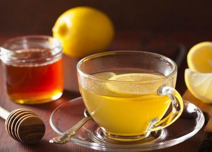 Chữa xuất tinh sớm bằng mật ong pha nước chanh đơn giản mà mang lại nhiều công dụng