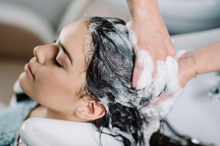 Một số loại dầu gội đầu có thể giảm viêm da dầu ở đầu hiệu quả