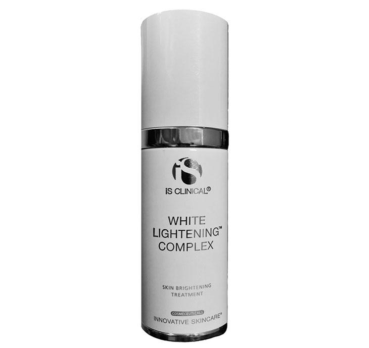 iS CLINICAL White Lightening là lựa chọn hàng đầu của phái đẹp