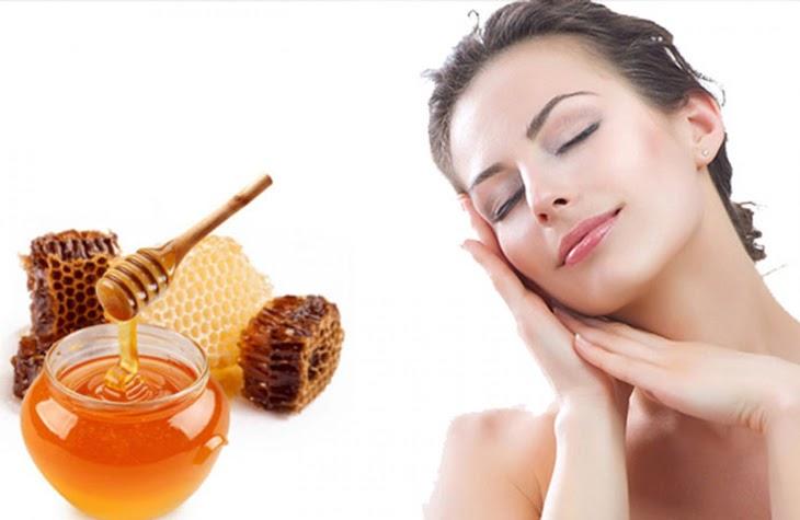 Mật ong có tác dụng điều trị mụn sưng đỏ rất tốt