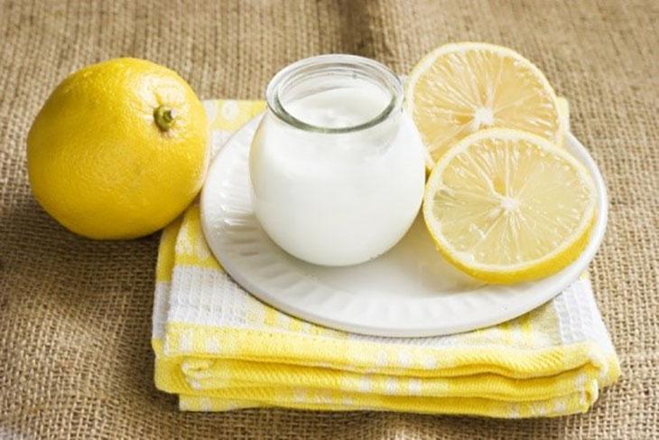 Chữa rạn da sau sinh bằng hỗn hợp đường, nước cốt chanh