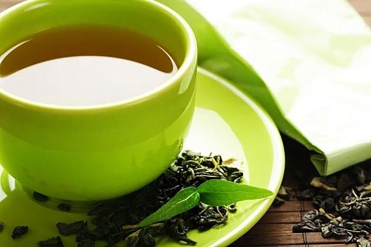 Chữa rạn da sau sinh bằng trà xanh