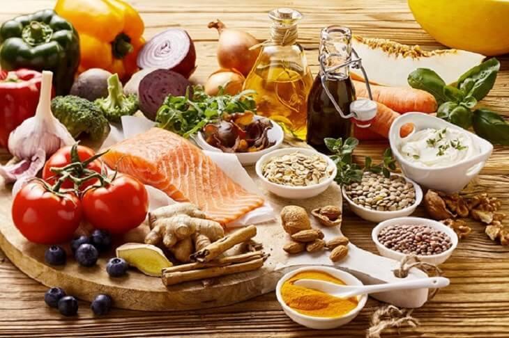Một chế độ ăn uống đầy đủ, hợp lý sẽ giúp bạn duy trì cân nặng mà vẫn đủ chất