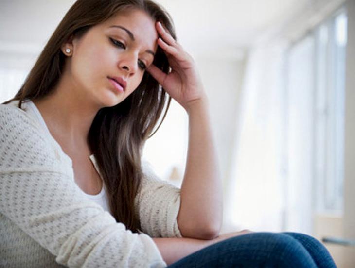 Rối loạn nội tiết tố là một trong những nguyên nhân gây mụn bọc ở phụ nữ