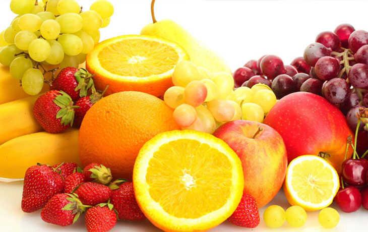Hoa quả chứa nhiều vitamin C rất tốt cho việc tái tạo làn da và tăng cường sức đề kháng cho cơ thể