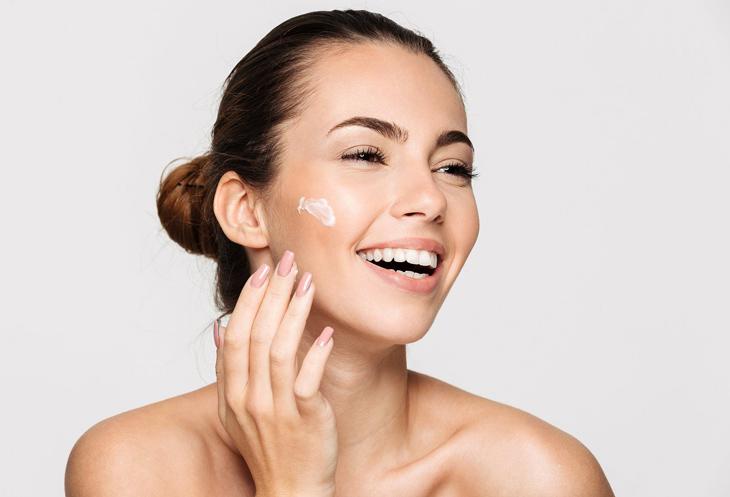 Lựa chọn các loại mỹ phẩm phù hợp với da để ngừa mụn hiệu quả