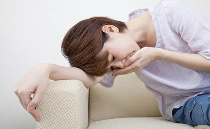 Sử dụng thuốc trị vi khuẩn hp có thể gây tình trạng nuồn nôn, mệt mỏi