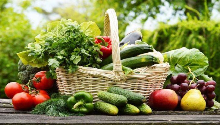 Trẻ bị vảy nến nên ăn nhiều rau, củ, quả