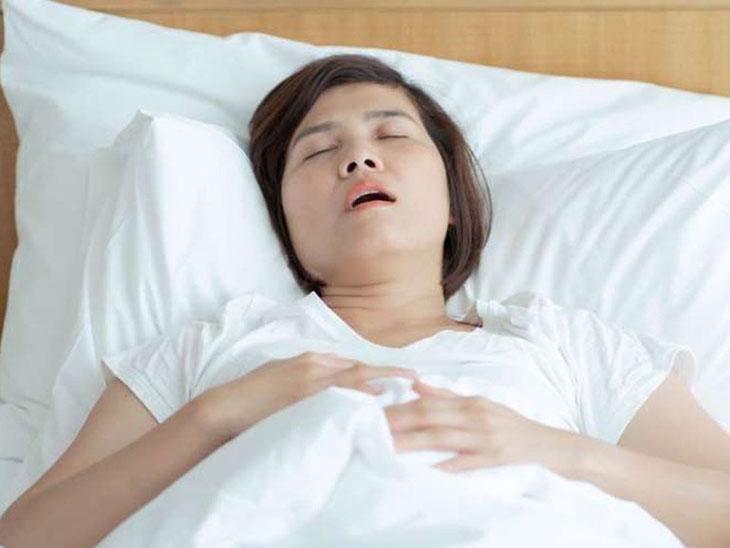 Trào ngược dạ dày khi ngủ gây khó thở