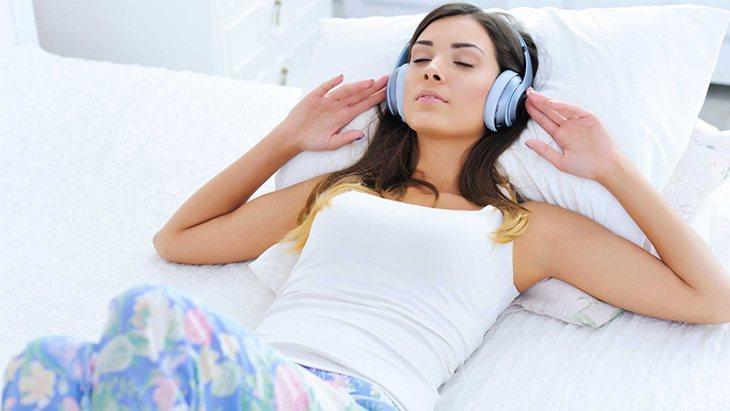Cách chữa trào ngược dạ dày khi ngủ tốt nhất là thư giãn nhiều hơn