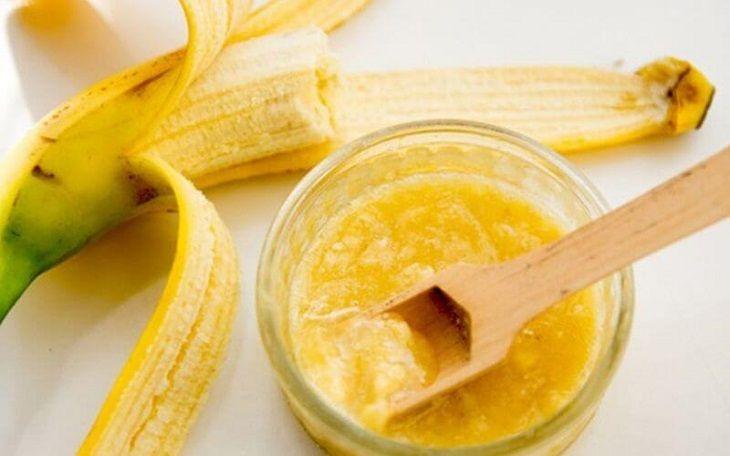 Cách trị nám bằng dầu dừa và chuối chín giúp làm da mịn màng và dưỡng trắng rất tốt
