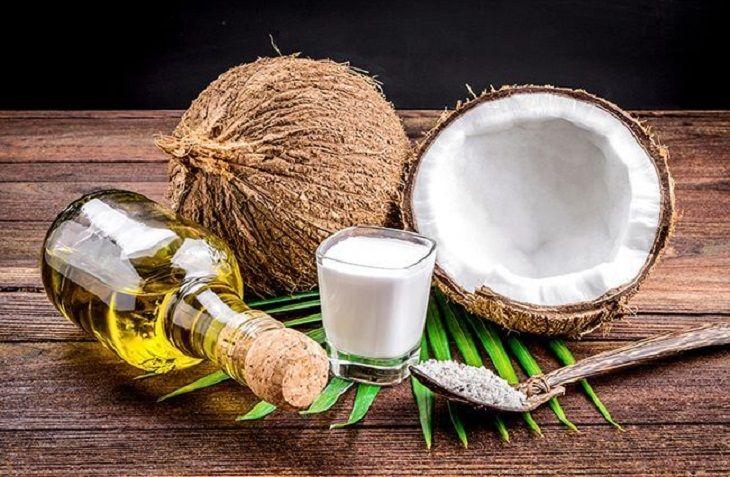 Sử dụng dầu dừa nguyên chất để trị nám có thể đạt hiệu quả trị nám nhanh chóng