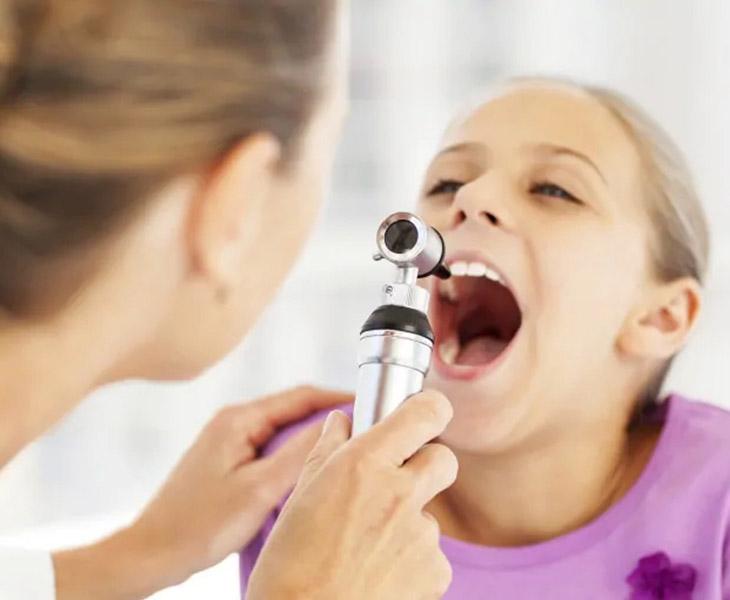 Viêm amidan mãn tính có nên cắt không là thắc mắc của nhiều người bệnh