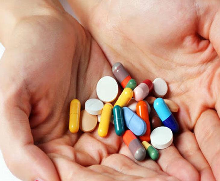 Thuốc Tây là phương pháp được nhiều người bệnh lựa chọn khi điều trị viêm amidan mãn tính