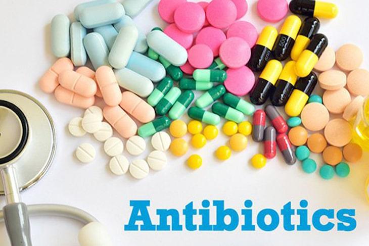 Kháng sinh là thuốc điều trị nguyên nhân gây viêm họng liên cầu khuẩn