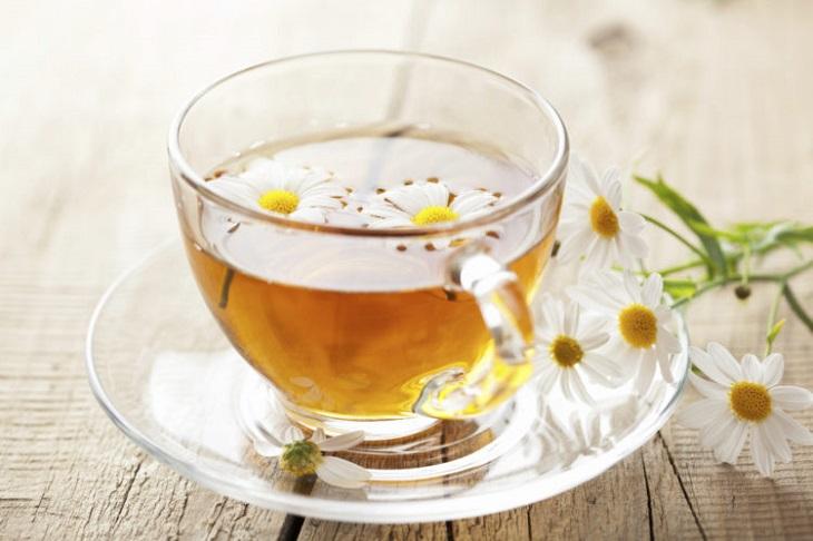 Trà hoa cúc cải thiện hiệu quả triệu chứng của viêm họng mãn tính quá phát