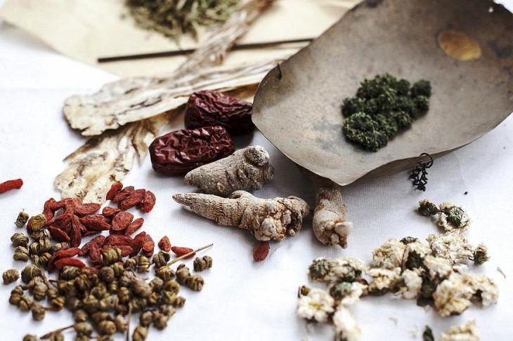Các bài thuốc Đông y trị viêm phần phụ khá an toàn và lành tính