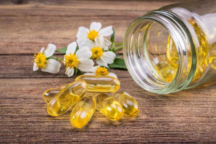 Vitamin E là thuốc trị mụn thâm với công dụng vượt trội