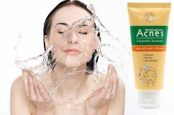 kem rửa mặt acnes vitamin cleanser có tốt không