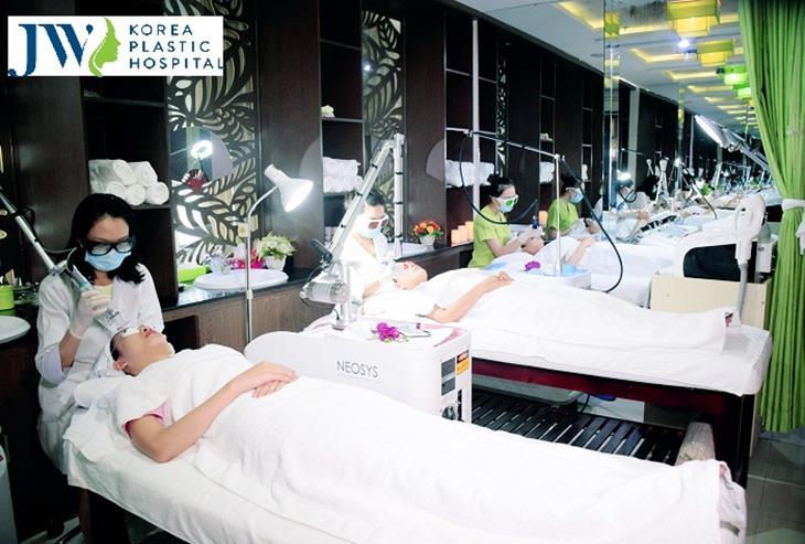 Spa trị mụn, bệnh viện thẩm mỹ JW Clinic & Spa là một trong những cơ sở, địa chỉ spa hàng đầu Việt Nam