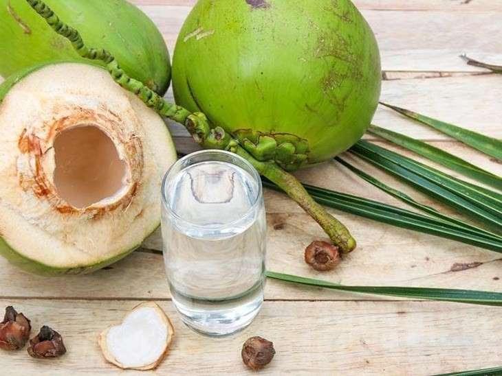 Uống nước dừa không chỉ là cách chữa trào ngược dạ dày hiệu quả mà con tốt cho làn da, vóc dáng
