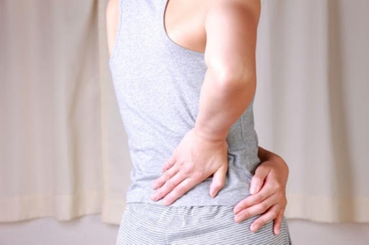 Bài tập kéo giãn phần lưng giúp nam giới tăng cường sự dẻo dai khi quan hệ