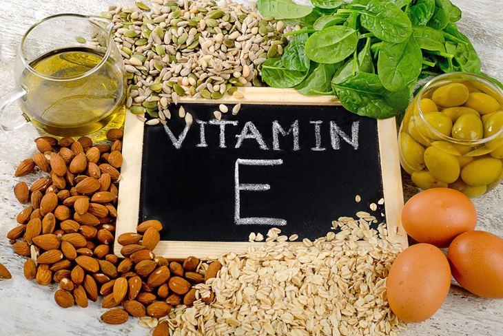 """Chị em nên tăng cường bổ sung vitamin E sẽ rất tốt cho """"chuyện ấy"""""""
