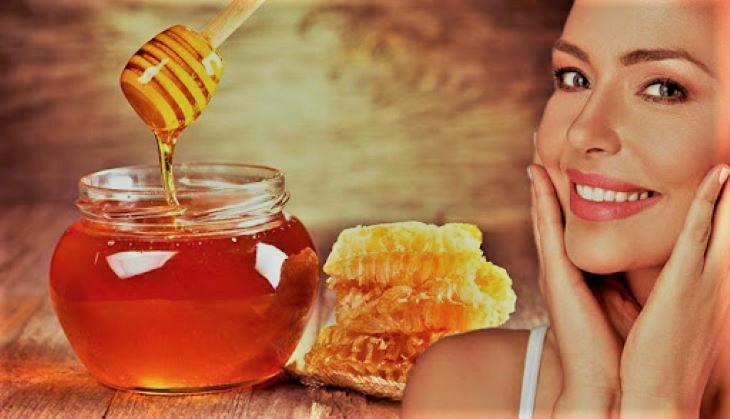 Mật ong có thể được sử dụng như một loại mặt nạ trị tàn nhang cực kỳ hữu hiệu
