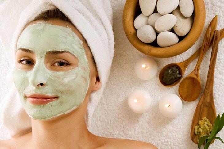 Đắp mặt nạ trị tàn nhang cũng là một phương pháp được nhiều chị em áp dụng