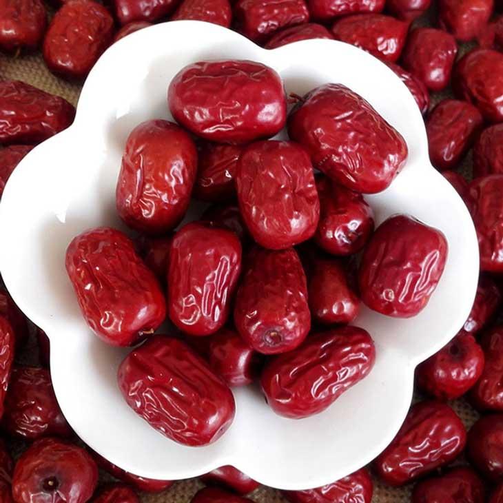 Có hai loại táo đỏ phổ biến nhất: táo đỏ Hàn Quốc và táo đỏ Trung Quốc
