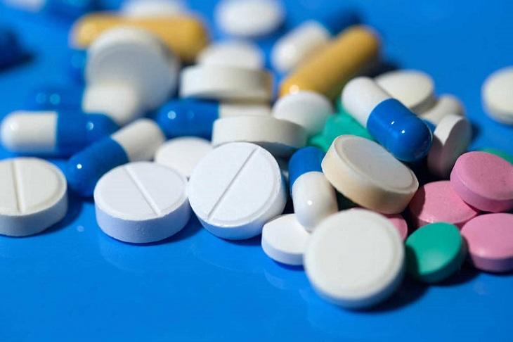 Người bệnh chỉ nên dùng thuốc khi đã thông qua ý kiến của bác sĩ nhằm tránh phát sinh các phản ứng tiêu cực