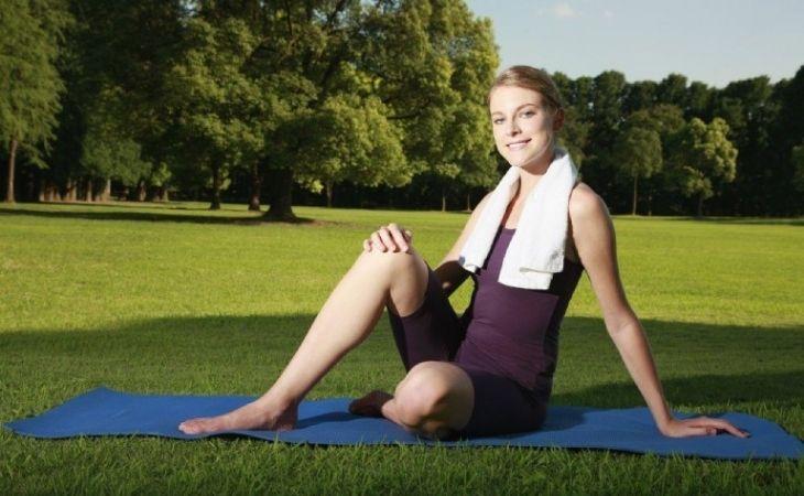 Các bài tập yoga cho người thoái hóa khớp gối có tác dụng xoa dịu cơn đau và tăng độ dẻo dai của xương khớp