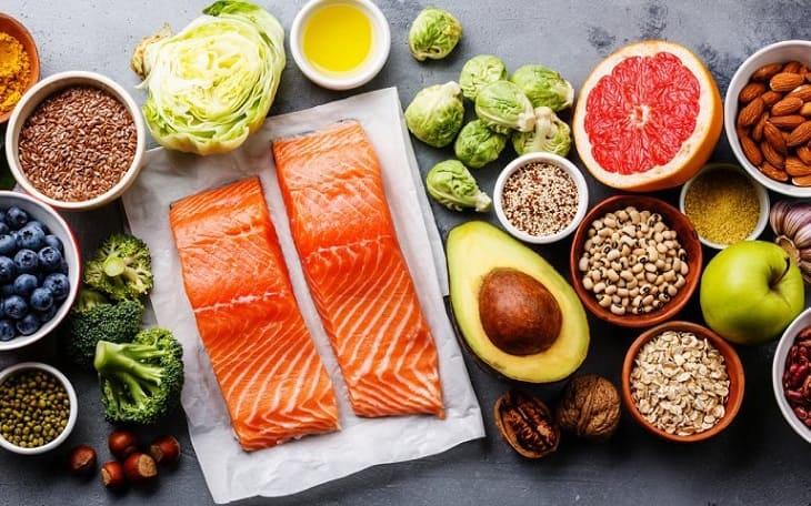 Chế độ dinh dưỡng lành mạnh giúp phòng ngừa huyết trắng máu đen