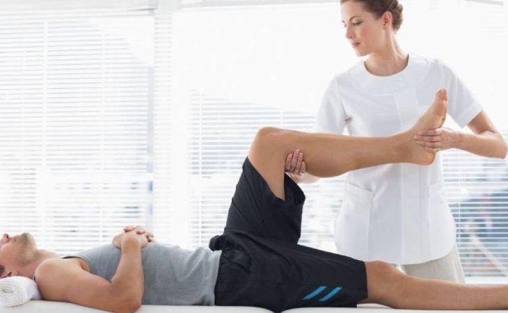Các bài tập vật lý trị liệu cho khớp gối giúp giảm đau và làm chậm quá trình thoái hóa khớp