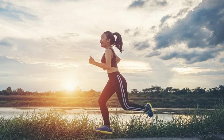 Tập thể dục thường xuyên đẻ tăng cường sức đề kháng cho cơ thể