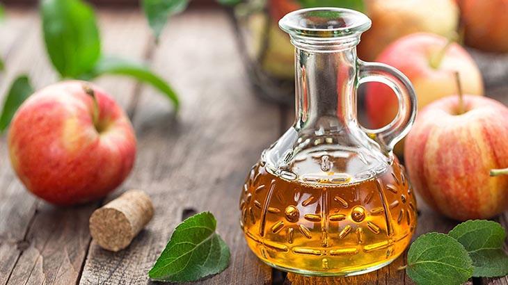 Giấm táo hỗ trợ điều trị tình trạng khí hư màu xanh