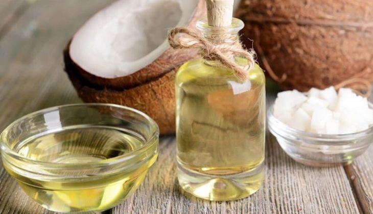 Sử dụng dầu dừa giúp làm lành vết loét