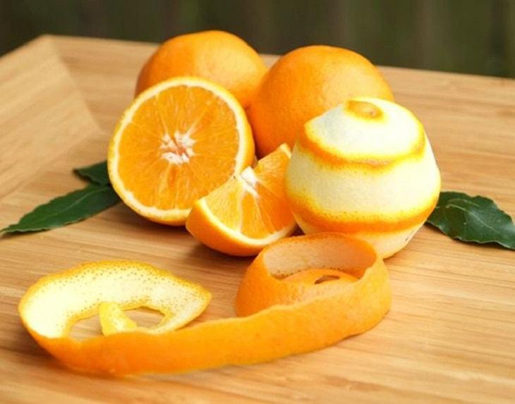 Cách làm trắng răng bằng vỏ cam tươi
