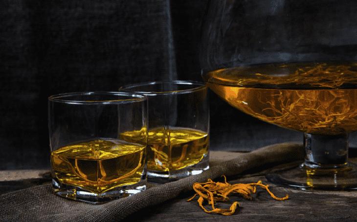 Cách ngâm rượu đông trùng hạ thảo với sâm đơn giản và hiệu quả nhất