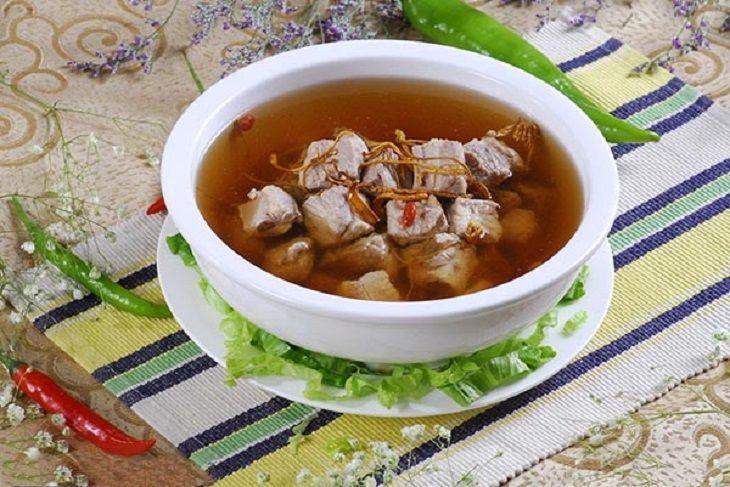 Canh đông trùng hạ thảo hầm thịt heo là món ăn thơm ngon, bổ dưỡng