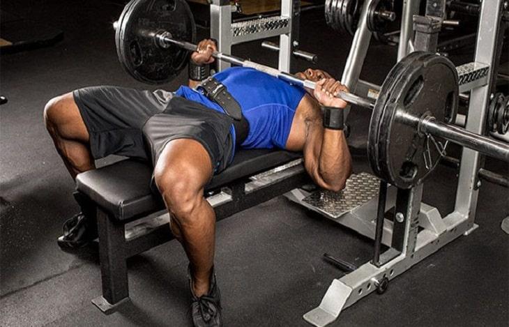 Cách tập gym với bài tập Barbell Bench Press - bài tập ngực giữa