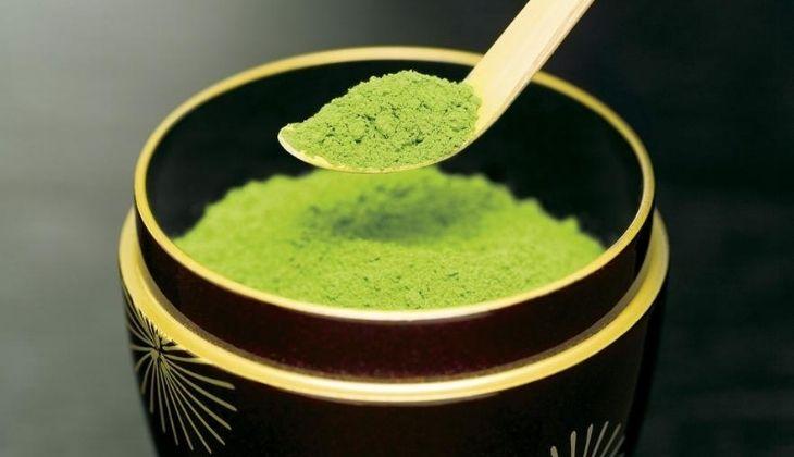 Bột trà xanh là nguyên liệu làm đẹp lý tưởng