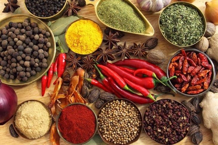 Tránh ăn đồ cay nóng trong quá trình sử dụng cao