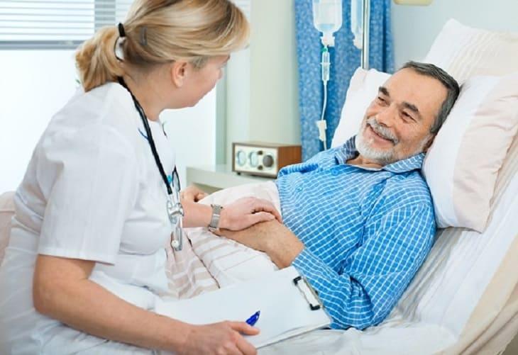 Đa phần cắt polyp trực tràng bệnh nhân không cần nằm viện